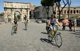 visiting rome on electric bike